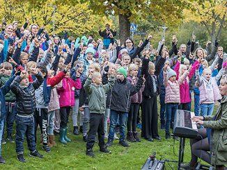 Eleverna sjunger på Errarps skola Foto: Anna Matre, Bjäreliv
